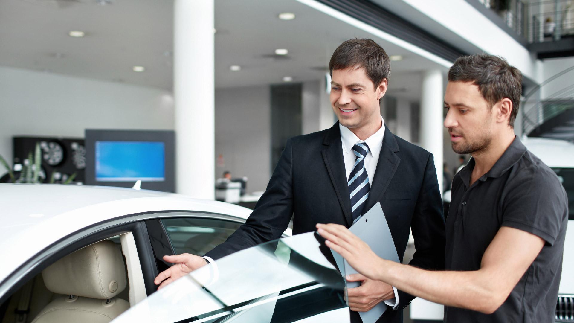 как знакомые сотрудники автосалонов обманывают клиентов