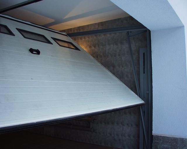 Поворотные ворота для гаража своими руками