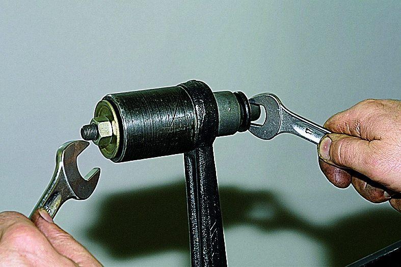 Съёмник сайлентблоков своими руками нива шевроле 24