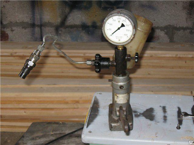 Стенд для опрессовки форсунок дизельного двигателя