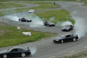Занос автомобиля на скорости