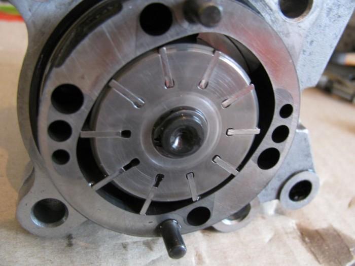 Масляный насос двигателя