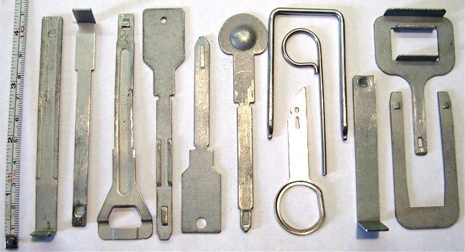 Виды ключей для демонтажа магнитолы
