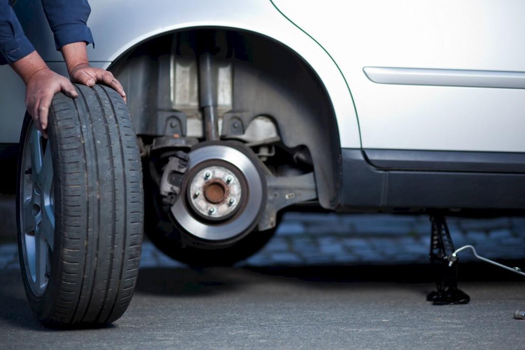 замена колеса с грыжей