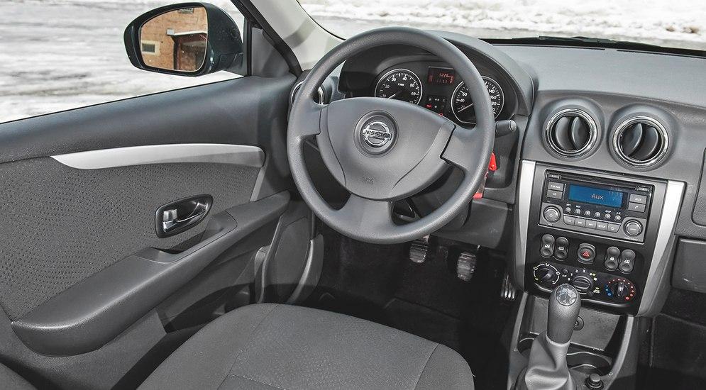 Nissan Almera 2019 салон