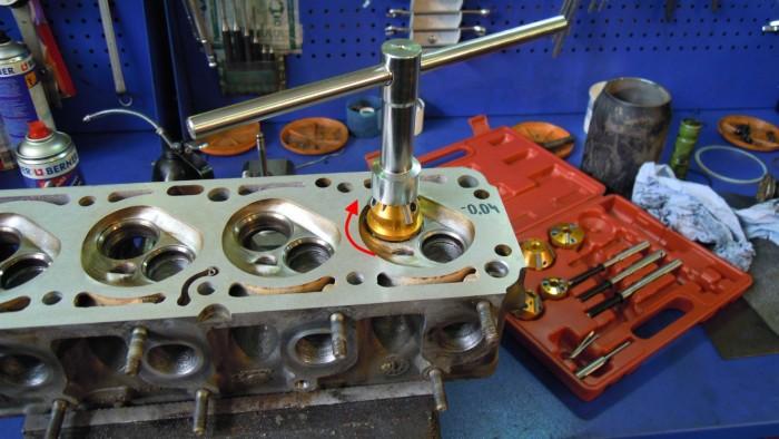 Снятие головки блока цилиндров и ее ремонт: инструкция, как снять и заменить гбц, и видео о замене и установке